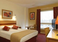отель Jurys Inn Edinburgh
